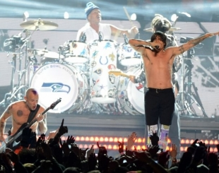 Veja a �ntegra da apresenta��o de Bruno Mars e Red Hot Chili Peppers na final do Super Bowl