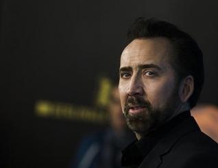 Ap�s comprar cr�nio de dinossauro roubado, Nicolas Cage devolve a pe�a