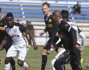 Corinthians empresta Stiven Mendoza para time de Pirlo e Villa na MLS